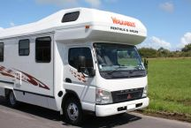Walkabout Mitsubishi Fuso Luxury 4 Berth